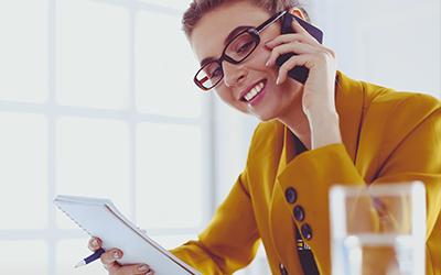In Zeiten ohne persönlichen Kontakt hilft häufig ein einfaches Telefonat